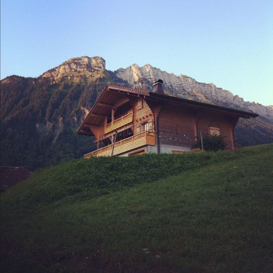 6am & stealing someone's internets in the #alps Alps