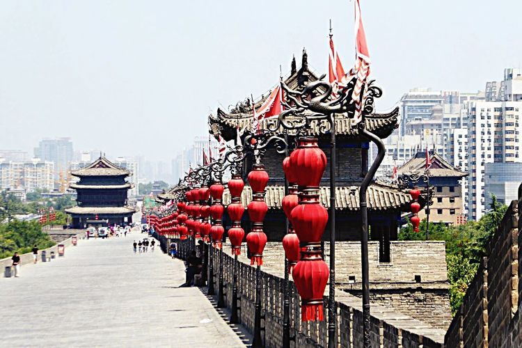 Citywall Xian Xian China Temple Lamppost Lamps Typical China Nice Day