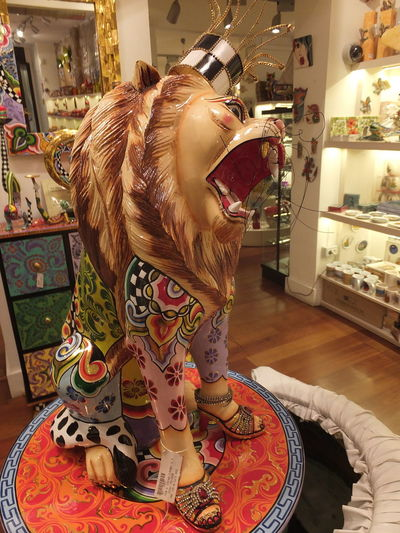 Lion Queen! Animal Representation Barcelona Ceramic Art Ceramic Shop City Colourful Composition Full Frame Full Length Fun Illuminated Indoor Photography Lion Lion Queen! No People Roaring Lion Shopping Souvenir Souvenir Shop Spaın Store Tourist Attraction  Tourist Destination Unusual