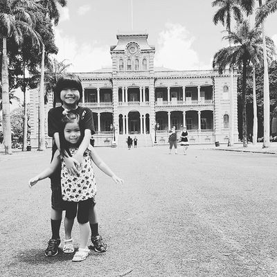 Visiting the only royal palace on US soil. Happy National Sibling Day! Nationalsiblingday ❤❤❤👫❤❤❤ Kids Kid Instakids Child Children Childrenphoto Love Cute Adorable Instagood Young Sweet Pretty Photooftheday Happy Smile Instacute ホノルル Honolulu  Hawaii Oahu ハワイ カハラ Instagram_hi Instagramhawaii photooftheday photoshoot instalike downtownHonolulu