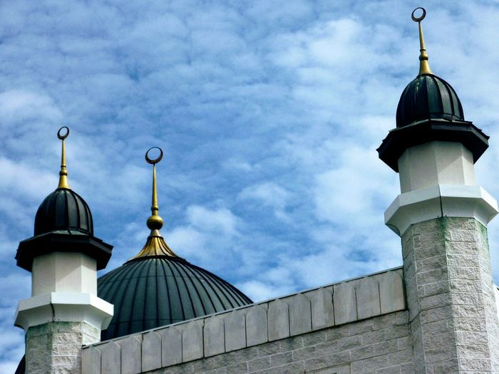 Masjid Abubakr Masjid Toronto ISLAM♥ Architecture Dome Religion Built Structure Building Exterior Cloud - Sky No People Roof Place Of Worship Outdoors Spirituality Day