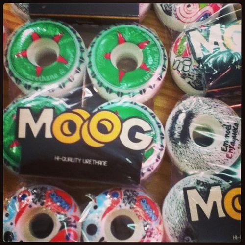Moog Crail Love Schoolstore skateshop skate siga followme follow me