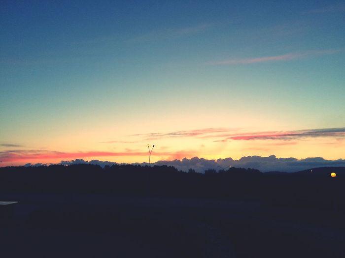 🌄 Sunset