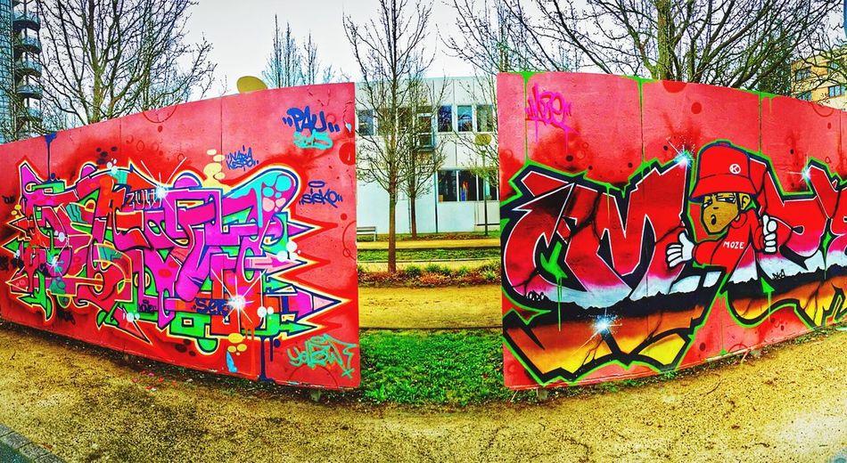 Street Art 📸🎨 Taking Photos Hello World Enjoying Life City Pau Painting