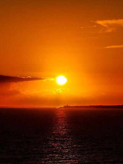 Éternité Sunset Sun Orange Color Sea Beauty In Nature Scenics Nature Tranquil Scene Tranquility Water Sky Horizon Over Water No People Outdoors Silhouette Sunlight EyeEm Best Shots EyeEm Nature Lover EyeEmNewHere Eye Em Nature Lover