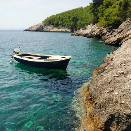 Korcula / une crique Korčula Bateau Méditerranée Mer Crique Croatia Nautical Vessel Moored Sand Sky