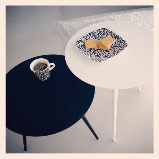 Iniziare bene la giornata é: caffé in extendo su Supersottili Tavolini Extendo Design madeinitaly lavoro