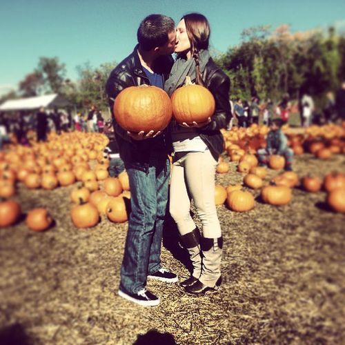 Pumpkinpicking Bebe Boyfriend Cowgirl couple wecute love farmlife