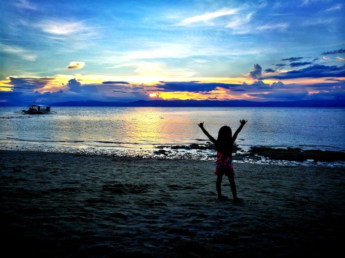 This is my sunset story. - zoei Sunset Beach Sea Silhouette Horizon Over Water Cloud - Sky Happiness Nature Scenics Multi Colored Sky Travel Destinations