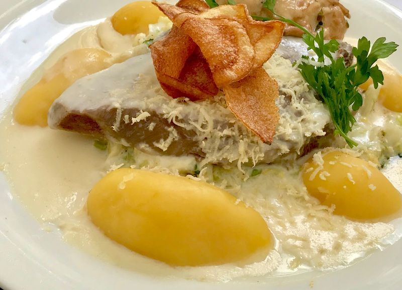 Tafelspitz mit Kartoffel und Meeretichsausse. Meat with potatoes German Food Germany Tafelspitz Veal Meat Food Food And Drink Healthy Eating Freshness Wellbeing Ready-to-eat Indoors  Plate Serving Size Close-up No People High Angle View Meal