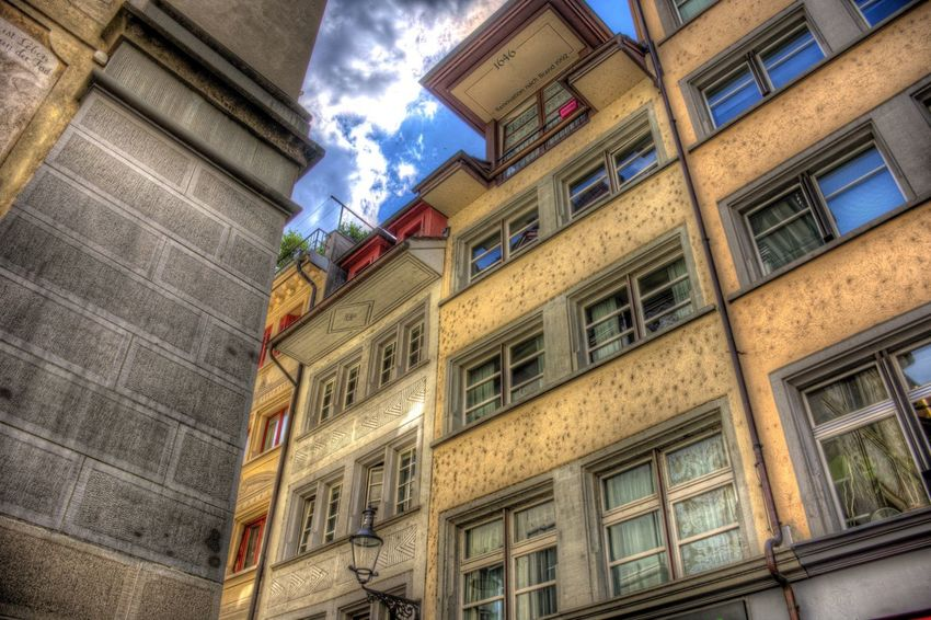 DDESIGN HDR PICTURE Hdrphotography Hdr Edit Hdr_Collection EyeEm Best Shots HDR First Eyeem Photo Architecture Low Angle View Building Exterior Built Structure Building Window No People City Sky Hanging Lighting Equipment Residential District Day Outdoors Apartment Cloud - Sky Communication Nature Decoration Balcony The Street Photographer - 2018 EyeEm Awards EyeEmNewHere Creative Space The Creative - 2018 EyeEm Awards The Architect - 2018 EyeEm Awards