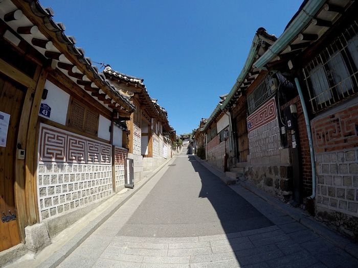 Buchon Hanok village at Anguk in Seoul! Built Structure Landscape_Collection Buchonhanok South Korea Korea Landscape Gopro Goprohero4 Landscape_photography Multi Colored Clear Sky Beautiful Pretty Springtime Skyline Seoul Nature Nature Photography Beauty In Nature South Korea🇰🇷