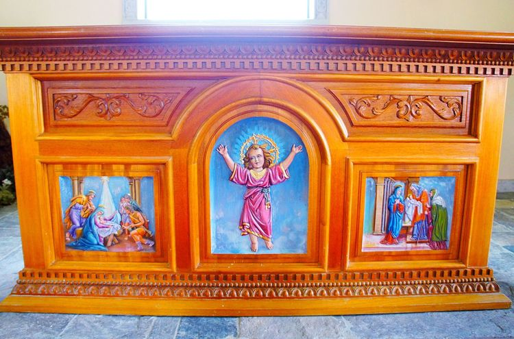✨👼🏻Beautiful hand carved shrine👼🏻✨ Art And Craft Architecture Built Structure Jesus Shrine Beautiful Low Angle View Outdoors Tranquil Scene Cajamarca-Perú Ensenada Landscape Country EyeEmNewHere Wood - Material Tourism Religion EyeEm Gallery EyeEm Best Shots