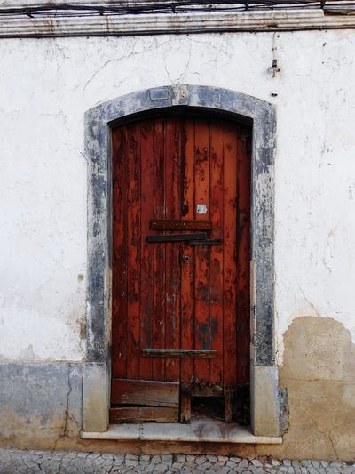 Door Closed Entrance Wood - Material Architecture Built Structure Building Exterior Doorway No People Outdoors Day Hinge Close-up Old-fashioned Entrance Ruins_photography Old Buildings Naturelovers Ruins House Oldbuilding Ruined Building Ruins Architecture Doors With Stories Doors Lover Old House