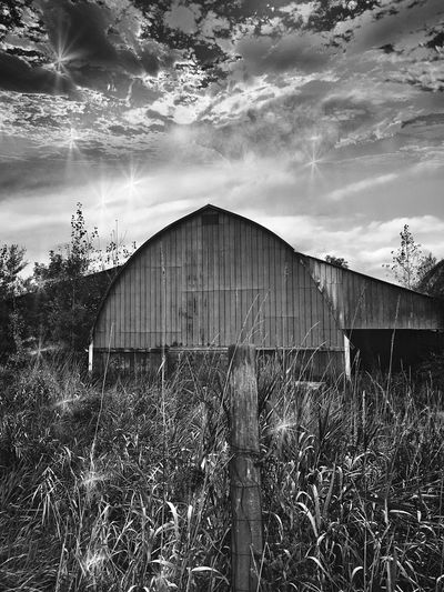 Sky Cloud - Sky Streamzoofamily Country Life Sky And Clouds Vermontbyvermonters Blackandwhite Vermont_scenery Landscape #Nature #photography Countryside Rural Scenes Autumn Rural Barn