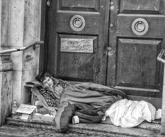 Another photo in my people of Manchester series People Of Manchester Showcase: December EyeEm Best Shots - No Edit Fortheloveofblackandwhite B&w Street Photography From My Point Of View Street Life Street Photography Blackandwhite Photography Blackandwhite B&w Photography Black & White My Best Photo 2015 Black And White Photography Creative Light And Shadow EyeEm Best Shots EyeEmBestPics Homeless The Purist (no Edit, No Filter) Eyeem Photography Photojournalist Eyeem 2016 The Great Outdoors With Adobe The Portraitist - 2016 EyeEm Awards Homeless Of Manchester Uk Always Be Cozy