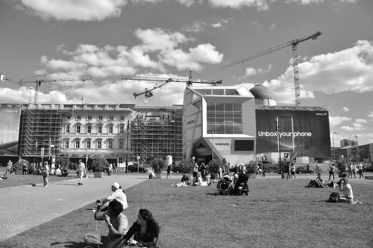 Bnw_friday_eyeemchallenge Bnw_street Large Group Of People Real People Architecture Sky Built Structure Outdoors Leisure Activity Building Exterior Cloud - Sky City Day Lifestyles Humboldtforum