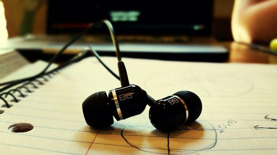 Headphones BEATS Art Focus