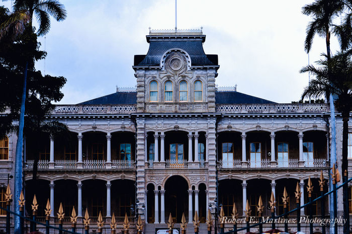 """""""Never cease to act because you fear you may fail.""""- Queen Lili'uokalani January 1917 ———————————————————————————The ʻIolani Palace was the royal residence of the rulers of the Kingdom of Hawaii beginning with Kamehameha III under the Kamehameha Dynasty (1845) and ending with Queen Liliʻuokalani (1893) under the Kalākaua Dynasty, founded by her brother, King David Kalākaua. Getting Away From It All Eye4photography  Physical Geography EyeEmBestPics Streetphotography Street Iolani Palace Honolulu, Hawaii Tranquil Scene Vacations Taking Photos Enjoying Life Check This Out Hello World Taking Photos Architecture Historical Building Palace Native Luckywelivehawaii"""