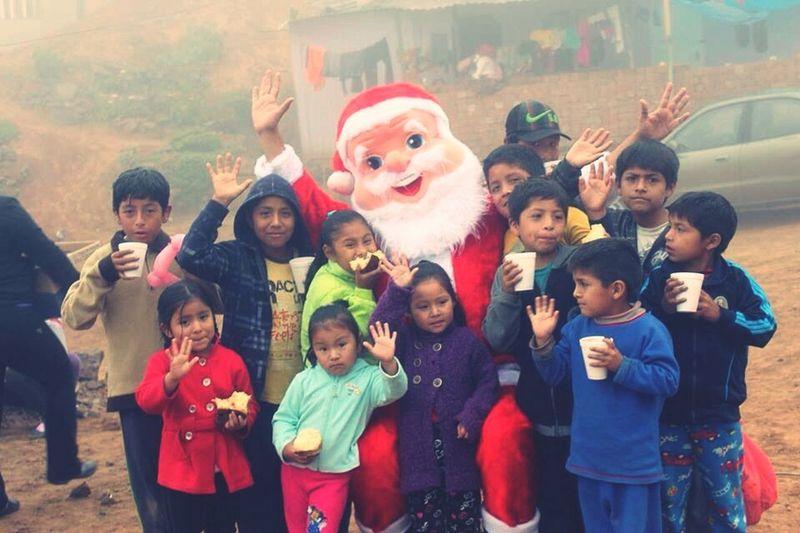 Feliz Navidad. Hi! Ayuda Huaycan Chosica Chaclacayo Help Relaxing