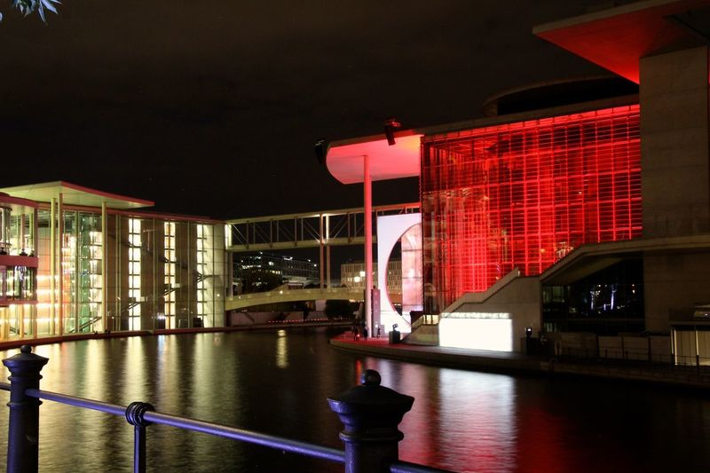 Bundestag Berlin My Fuckin Berlin Festival Of Lights 2015 Water Reflections Light And Shadow Licht Und Schatten Night Lights Nachtfotografie Nacht Cities At Night Capture Berlin