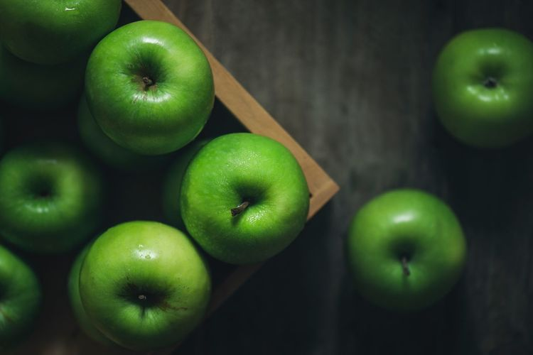 Green apple Healthy Eating Green Healthy Eating Food And Drink Fruit Wellbeing Green Color Freshness Food Still Life Close-up Apple - Fruit Granny Smith Apple Apple Indoors  Group Of Objects Raw Food Table Vegetable High Angle View Organic