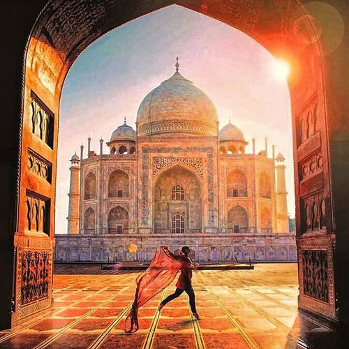 Architecture Arch Travel Destinations Dome Cultures City Tourism History Built Structure Building Exterior People Indoors  Sky Place Of Worship Day India 7 Wonders