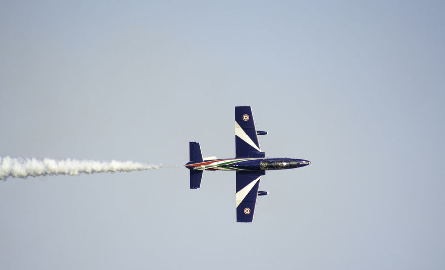 Airshow Air Vehicle Airplane Airshow Airshowphotography Clear Sky Day Flying Motion No People Sky Vapor Trail