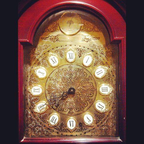 Tick tock tick tock ... Clock Oldclock Classic Niceview niceshot nicephoto