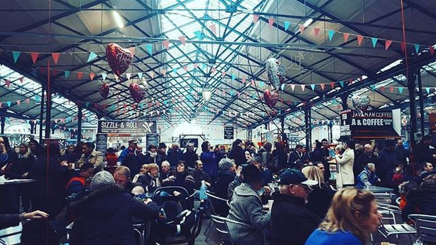 St George Market is best place in city centre to spend a good quality hours on Saturday. The food, the people, the music, the atmosphere is just amazing! Belfast Irland Visitni Visitbelfast Instabelfast Latergram Vscocam VSCO Vscoirland DiscoverNI Streetlife Market