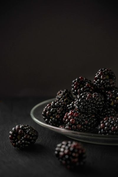 Blackberries Fruit Food Dark Food And Drink Freshness Healthy Eating No People Indoors  Studio Shot Ready-to-eat Close-up Directly Above Photoblogger Taking Photos Healthy Lifestyle Indoors  Blackberry - Fruit