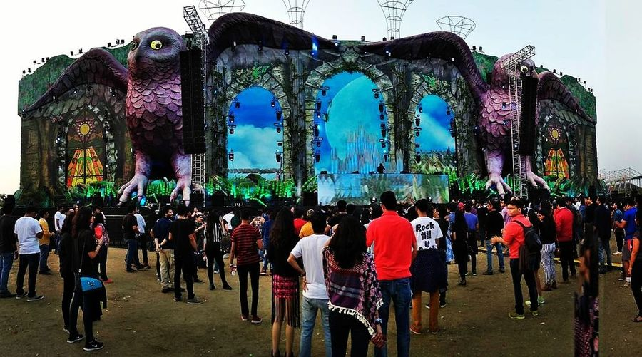Best productions i ever witnessed in India for a Festival! EDC EDCIndia Delhi Concert Production Budweiser Corona Music Lights Visuals Production Steveaoki AFROJACK
