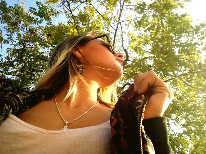 🍁🍂 One Person Tree Only Women One Woman Only People Adult Adults Only Headshot Outdoors Day One Young Woman Only Summer Happiness Blond Hair Young Adult Women Sky Young Women Nature Close-up Masnou Catalunya