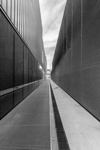 'star alley' Architecture The Way Forward Built Structure Building Exterior Modern Outdoors City No People Sky Minimal Minimalism Architecture_collection Industrial Architecture Architecture_bw Architecture From My Point Of View Mudec