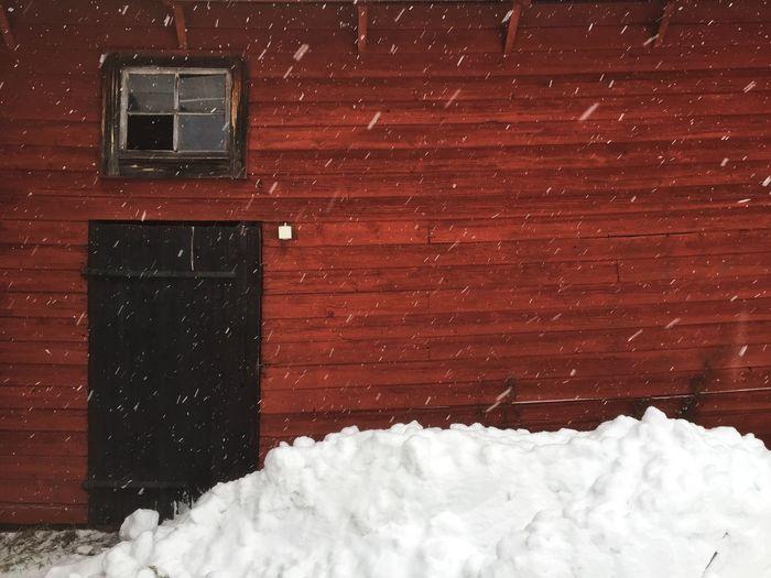 Sweet dreams ? from my snowy barn kingdom ❄️❄️❄️❤️❄️❄️❄️ The Kingdom Of Red Barns Hello World January Days Vackra Dalarna Eye Em Best Shots Country Life Tadaa Community