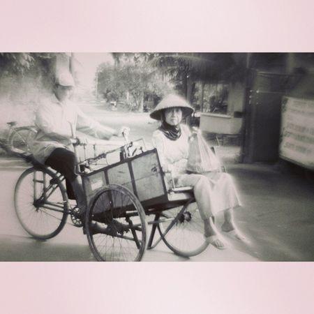 Becak, traditional transportation @nocrop_rc Rcnocrop Human_intherest Becak Fishermanvillage