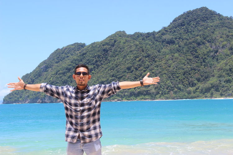 wonderful Aceh, Indonesia Aceh INDONESIA Lampuuk Beach Aceh Lampuukbeach Beach Landscape Natural Beauty Water Blue Hollidays Traveller Travvelling Nice Day Nice View Life Is A Beach Mountain View Fashion City History