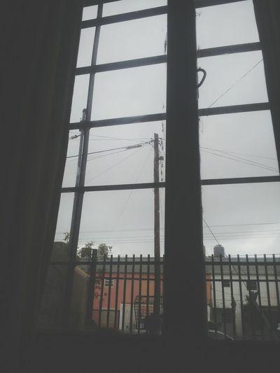 Un dia gris esta lleno de sorpresas puede llover o simplemente puede salir el sol Relaxing Hello World Hola <3 Dia