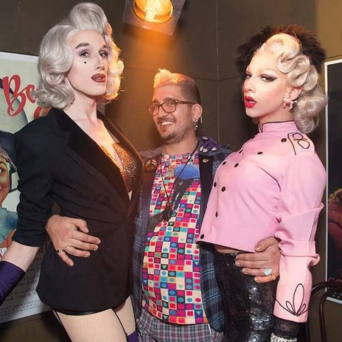 Thanks a bunch @itdevents for bringing these two exquisite Queens out! And thanks as always @claire.alexander for capturing the magic! Cannot wait for the next party! @maxcollective & @violetchachki bring all the old school glamour like no one else! Greyhairdontcare Fingerwaverealness Violet Violetchachki maxmalanaphy themaxcollective draglife dragqueens rupaulsdragrace rpdr7 theysopretty lovethesesexyladies imallaboutthecamerwoman snap