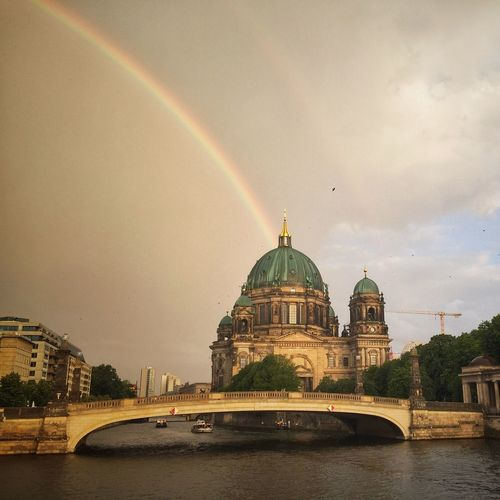 Somewhere over the rainbow Somewhere Over The Rainbow Photooftheday Photography Spree Berlin EyeEmNewHere Architecture Built Structure Dome Rainbow Travel Destinations River Building Exterior Water Travel Nature City EyeEm Ready
