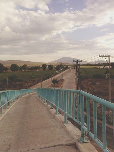 Sera un camino largo y difícil pero valdrá la pena al final :) UPG Caminar Estudio