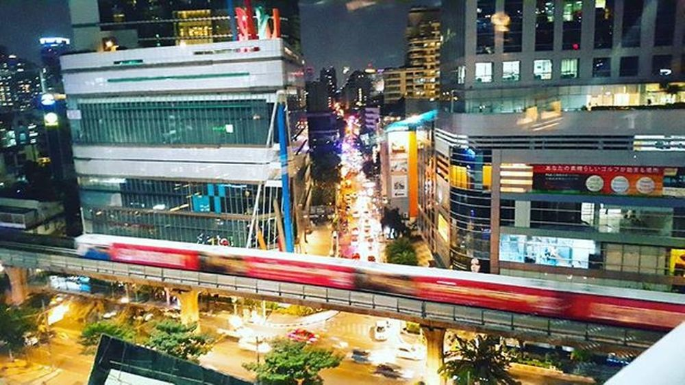 BANGKOK NIGHT LIGHT 🎡🚗🚦 Bittersweetjourney Traveller Tourist Backpacker Selftraveler Travelinspiration Bangkok Thailand Nightlight Cities At Night