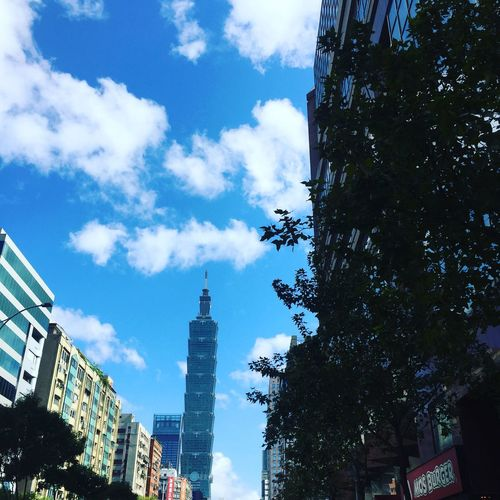 難得的冬陽 101好耀眼 2018.01.14 Taipei Street Winter Taipei 101 Architecture Building Exterior Built Structure Low Angle View Skyscraper