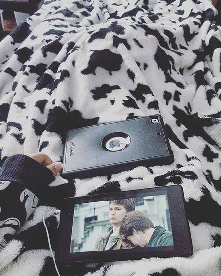 """Okay?"" MOVIE Blanket Cozy Lovely Thefaultinourstars Relax"