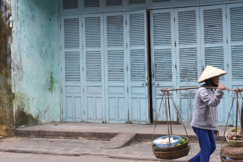 Old Town Aroundtheworld Working Blue One Person Built Structure Outdoors Building Exterior Full Length Day Lifestyles Real People One Woman Only Architecture