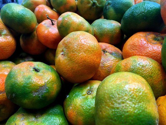 Venta de frutas 5/Fruit sale 5 Tangerine Fruit Healthy Eating Food And Drink Food Freshness Large Group Of Objects Abundance
