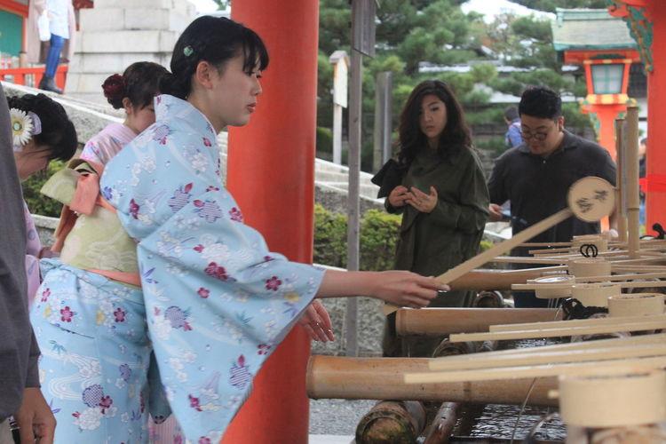 Casual Clothing Day Enjoyment Friendship Fun Japan,koyto Kyoto Leisure Activity Lifestyles Medium Group Of People Sitting Travel Travel Photography
