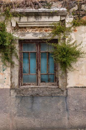 Portas antigas - Alcácer do Sal, Alentejo, Portugal Alcacer Do Sal Alentejo Portugal Door Doorway Old Door City Street Portasejanelas Window Strange Ruinas Ruins Of A Past