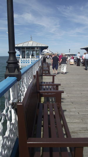 North Wales Walking Around Llandudno, United Kingdom Llandudno Coast Llandudno Blue Pier Bench View Bench Blue Sky With Clouds
