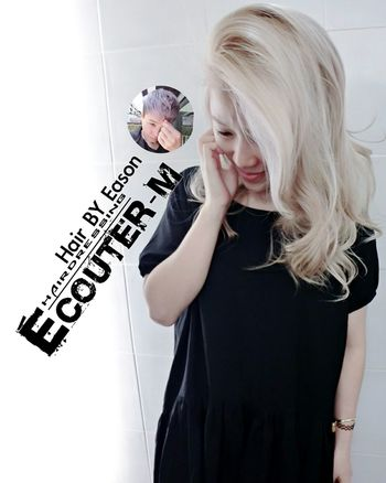(#EasonHairstylists ) 【🍦個性+甜美的韓系女孩 🍦】 冷色接近淺白金色🌹 日韓系萌女的甜味🍭 👉兩種美麗的碰撞👈好Macth ✔整個漂髮 COLOR ➡️ 漸層➡️一定加 #olaplex 強韌頭髮彈性 直接點 ↪ EasonHairstylists @EasonHairstylists @newkireifish @CLEartist ✴乒乓髮浴,👍(回家用這罐加強彈性維護) ✴增加飽濕度抗氧化瑪卡油+OLAPLEX(N3) 使用(交換使用) 👑潤澤瑪卡油 👑每月需要回來維護護髮 ▶️洗髮精這裡買⤵ http://ecouterhair.com/online-shop/ ▶️需要教學購物這裡會教⤵ http://easonjen.pixnet.net/blog/post/198240480 線上直接預約LINE ID: EEASON 問價錢找她就對👉 0963599112 Olaplex #beauty #Beautiful #day #Eastern #gray #popular #Fondleadmiringly #popular #color #dye #hair #Bleachinghair #ecouter Taipi Handsome